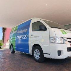 Отель Holiday Inn Express Guadalajara Aeropuerto городской автобус
