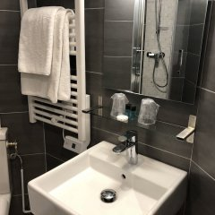 Отель Hôtel Alane ванная фото 2