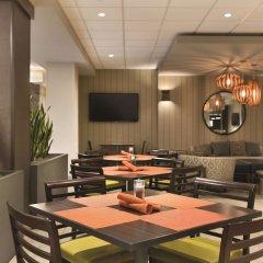 Отель Embassy Suites Bloomington Блумингтон фото 5