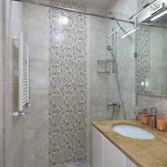Апартаменты Gallery Apartment A ванная фото 2