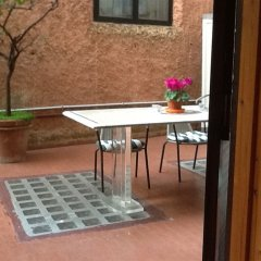 Отель Navona Gallery and Garden Suites балкон