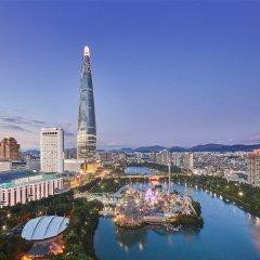 Отель Lotte World Сеул приотельная территория фото 2
