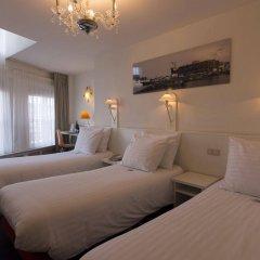 Multatuli Hotel комната для гостей фото 5