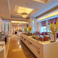 Отель Radisson Hyderabad Hitec City гостиничный бар