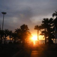 Отель The Beach Front Resort Pattaya пляж