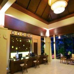 Отель Crown Lanta Resort & Spa Ланта гостиничный бар
