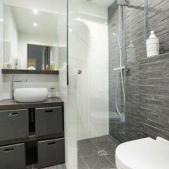 Отель Sublime appartement Champs Elysees ( Chaillot) Франция, Париж - отзывы, цены и фото номеров - забронировать отель Sublime appartement Champs Elysees ( Chaillot) онлайн ванная