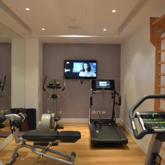 White Hotel фитнесс-зал