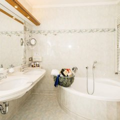 Dolce Vita Hotel Jagdhof Лачес ванная