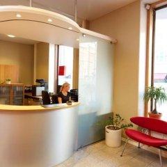 Отель Hellsten Helsinki Parliament Финляндия, Хельсинки - 8 отзывов об отеле, цены и фото номеров - забронировать отель Hellsten Helsinki Parliament онлайн гостиничный бар