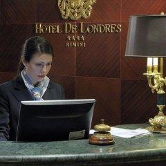Отель De Londres Италия, Римини - 9 отзывов об отеле, цены и фото номеров - забронировать отель De Londres онлайн спортивное сооружение