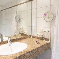 Отель Schlicker - Zum Goldenen Löwen Мюнхен ванная фото 2