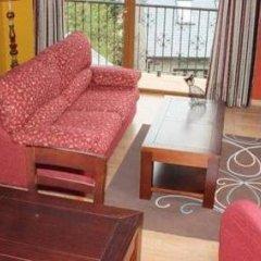 Отель Garos Neu комната для гостей