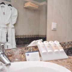 Отель Best Western Hotel Toubkal Марокко, Касабланка - 1 отзыв об отеле, цены и фото номеров - забронировать отель Best Western Hotel Toubkal онлайн ванная фото 2