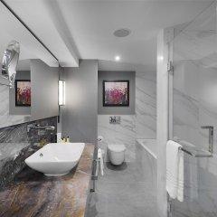 Отель InterContinental Sofia Болгария, София - отзывы, цены и фото номеров - забронировать отель InterContinental Sofia онлайн ванная