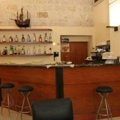 Hotel Adria Бари гостиничный бар