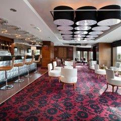 DoubleTree by Hilton Hotel Van гостиничный бар