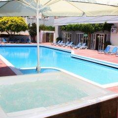 Dimitrion Central Hotel бассейн
