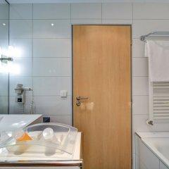 Отель Holiday Inn Prague Airport Чехия, Прага - 3 отзыва об отеле, цены и фото номеров - забронировать отель Holiday Inn Prague Airport онлайн ванная фото 2