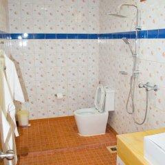 Отель Kata On Sea ванная фото 2