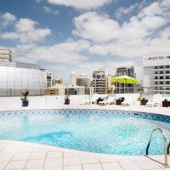 Al Waleed Palace Hotel Apartments-Al Barsha бассейн
