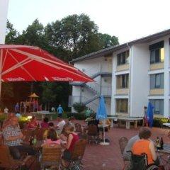 Hi Munich Park Youth Hostel Мюнхен бассейн
