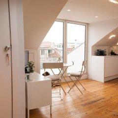 Апартаменты Cosy Studio in Lapa District Лиссабон комната для гостей