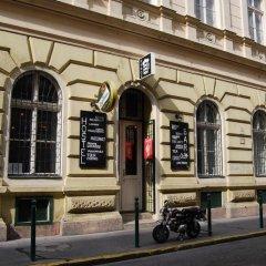 Отель HoBar - the hostel bar Венгрия, Будапешт - отзывы, цены и фото номеров - забронировать отель HoBar - the hostel bar онлайн фото 5