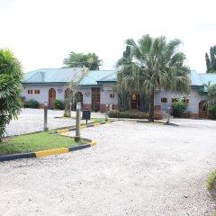 Отель Jacaranda Suites Нигерия, Калабар - отзывы, цены и фото номеров - забронировать отель Jacaranda Suites онлайн парковка