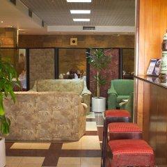 Hotel Jorge V гостиничный бар