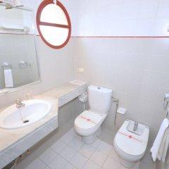 Отель Hostal Residencia Molins Park ванная фото 2