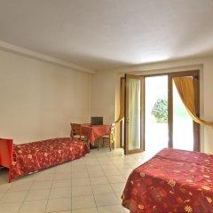 Отель Albergo Le Piante Манерба-дель-Гарда комната для гостей фото 4