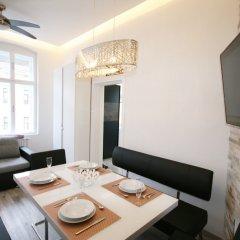 Отель Vienna CityApartments-Luxury Apartment 2 Австрия, Вена - отзывы, цены и фото номеров - забронировать отель Vienna CityApartments-Luxury Apartment 2 онлайн комната для гостей фото 2