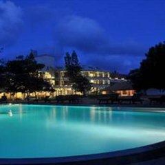 Отель Laya Beach бассейн фото 3