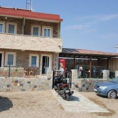 Gokceada Batihan Hotel Турция, Галлиполи - отзывы, цены и фото номеров - забронировать отель Gokceada Batihan Hotel онлайн парковка