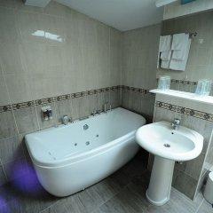 Отель Elegance Hotel Сербия, Белград - отзывы, цены и фото номеров - забронировать отель Elegance Hotel онлайн ванная