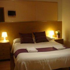 Отель Hostal Turis Alba Барселона комната для гостей фото 2