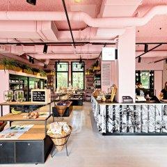 Отель Conscious Hotel Westerpark Нидерланды, Амстердам - отзывы, цены и фото номеров - забронировать отель Conscious Hotel Westerpark онлайн бассейн
