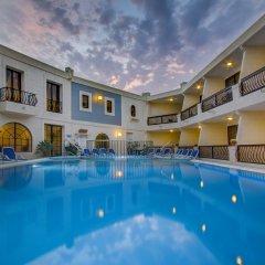 Pergola Hotel & Spa бассейн фото 2