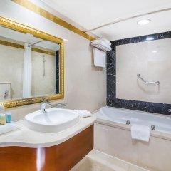 Отель Holiday Inn Bur Dubai - Embassy District ванная фото 2