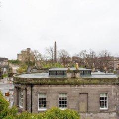 Отель Calton Hill Idyllic Cottage Feel Next 2 Princes St Эдинбург приотельная территория