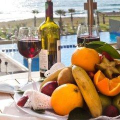 Отель Capital Coast Resort And Spa бассейн фото 4