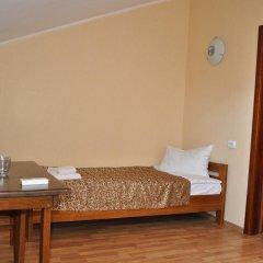Etna Hotel Львов комната для гостей