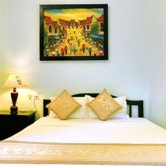 Отель Han Thuyen Homestay сейф в номере