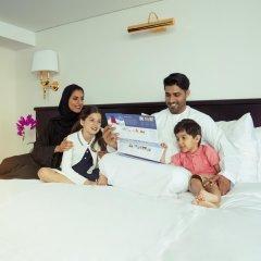 Отель Queen Elizabeth 2 Hotel ОАЭ, Дубай - отзывы, цены и фото номеров - забронировать отель Queen Elizabeth 2 Hotel онлайн бассейн