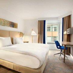 Отель Hilton Stockholm Slussen Швеция, Стокгольм - 9 отзывов об отеле, цены и фото номеров - забронировать отель Hilton Stockholm Slussen онлайн комната для гостей фото 4