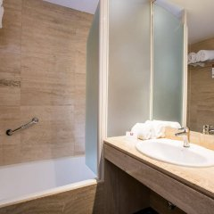 Отель Leonardo Hotel Madrid City Center Испания, Мадрид - 1 отзыв об отеле, цены и фото номеров - забронировать отель Leonardo Hotel Madrid City Center онлайн ванная фото 2