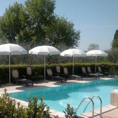 Отель Residence Il Fiore Del Garda Манерба-дель-Гарда бассейн фото 2