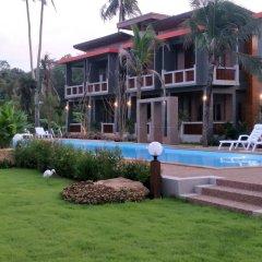 Отель Lanta Fevrier Resort бассейн