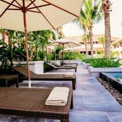 Отель Almanity Hoi An Wellness Resort бассейн
